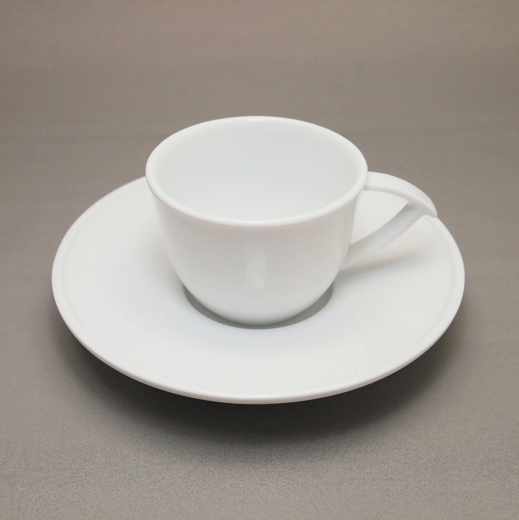 深山 コラム コーヒーカップとソーサ